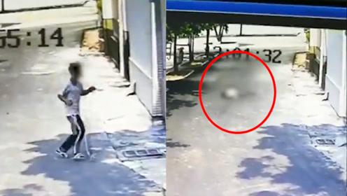 监控曝光!广东化州一高中生校内坠亡 事发前玩手机被要求上交