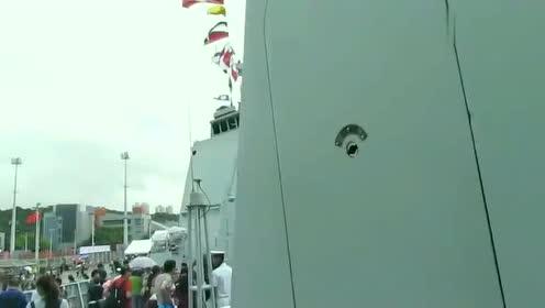 军营开放日,052D型驱逐舰单130毫米舰炮