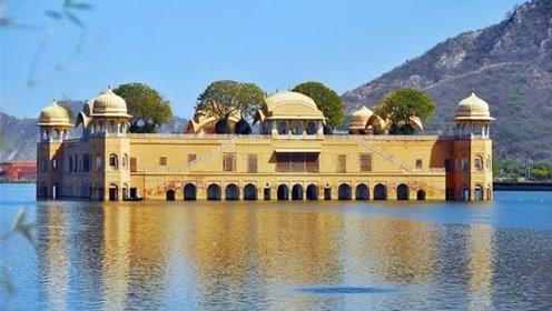 """印度神奇的""""水上宫殿"""",在水中待了260年,曾专供皇室度假"""