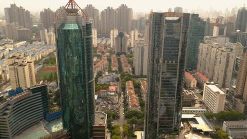 中国的这座超大城市,经济状况相当可观,未来能赶超日本东京吗?