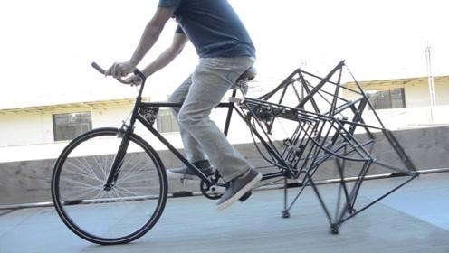 最优雅的自行车,后轮是四条机械腿,跑起来相当有气质!