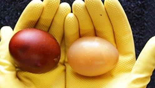 将鸡蛋放进可乐中浸泡一年,会变成什么样子?眼不见为净吧