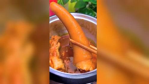 焖猪尾巴美食小吃,如此简单的做法,请问你们想吃吗