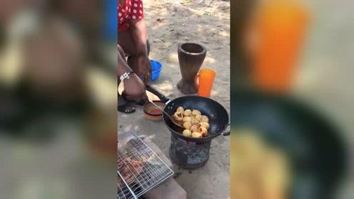 非洲土豪人家吃番茄炒蛋