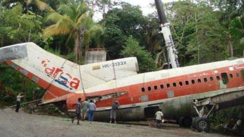 老人倾家荡产买回一架破飞机,将其改造成房子!有人出价千万购买!