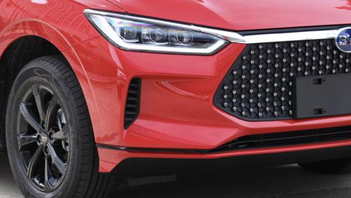 标配LED大灯+ESP,整车6年质保,出厂自带双屏内饰,不足9万