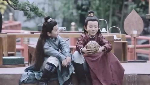 《明月照我心》大王爷看李谦时宠溺的眼神,好有爱!