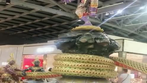 泰国素万那普机场!标志性的建筑雕塑!搅拌乳海的婆苏吉!