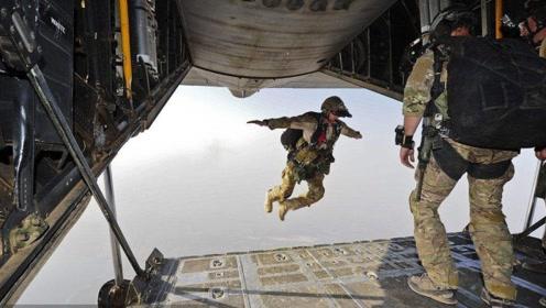 美军官意外从C130上坠落,五角大楼下令全力营救,至今音讯全无