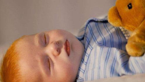 孩子出生后有3个特征,说明大脑发育不错,全中偷乐吧!