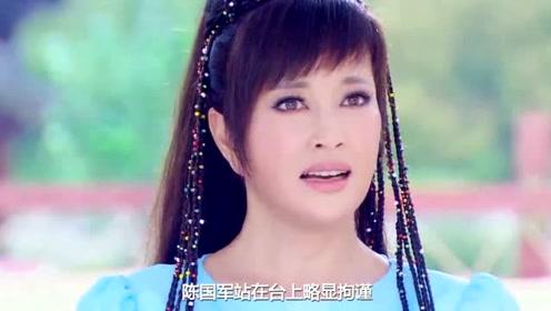 刘晓庆晒好友合照,把自己P成假人,她和邓文迪一样都是撩汉高手