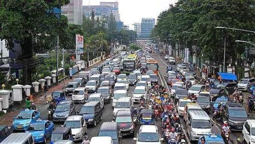 印度公路总里程800万公里,中国却只有484万,究竟咋回事?
