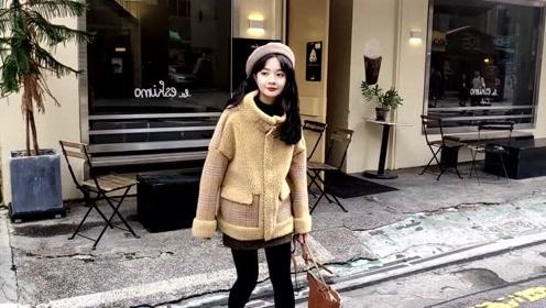 秋冬时尚潮流穿搭,时髦减龄羊羔毛外套搭配,保暖洋气又高贵大气