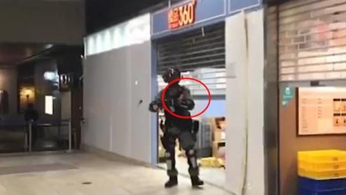 可笑!香港警员被抹黑偷可乐 店铺冒被砸风险公开视频打脸暴徒
