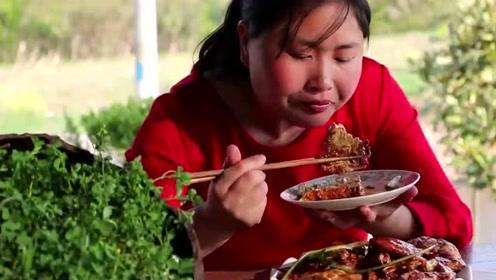 胖妹吃豆腐最有经验了!3斤嫩豆腐用锅焖,3碗饭下肚还不够饱!