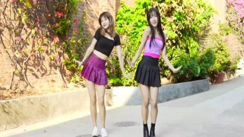 可爱的小姐姐们小区里跳肖战的《俩只老虎》,网友:活力十足!