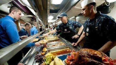 美军潜艇部队伙食有多好?就餐犹如星级餐厅,龙虾香肠无限供应