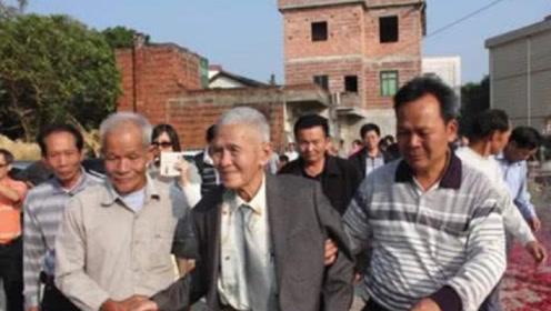 曾千方百计刁难中国游客,令60万华人回国,如今却恳求他们回来