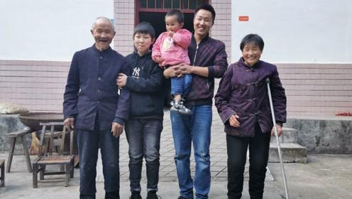 80后小伙下煤窑落下残疾,如今年入5万,网恋娶小8岁娇妻