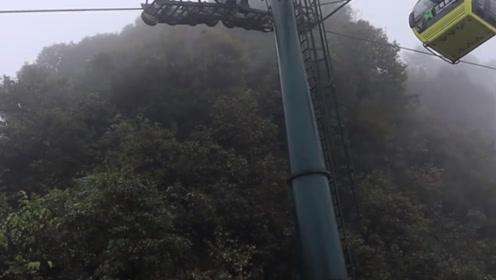 惊险的贵州梵净山,谁徒步爬上过老金顶?不止需要体力还需要胆量