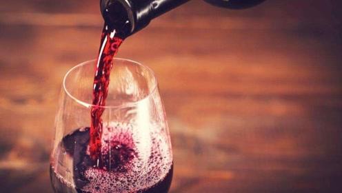 睡前喝葡萄酒,可以软化血管?辟谣:酒精影响睡眠,加重心血管病