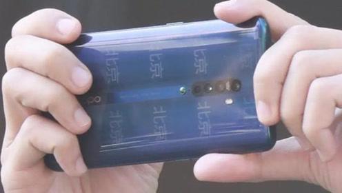 陈伟霆定居北京难掩欣喜 连手机壳都换成北京