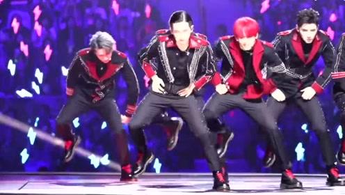 R1SE广州演唱会超燃现场,周震南太帅了,一段舞蹈炸裂舞台!