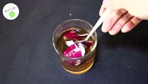 大蒜和红糖泡一起喝下,解决了许多男人女人的烦恼,学到就是赚到
