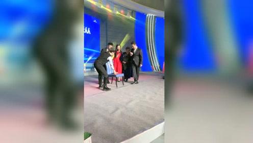 国家一级演员德德玛老师上场,她是蒙古族人民的骄傲!