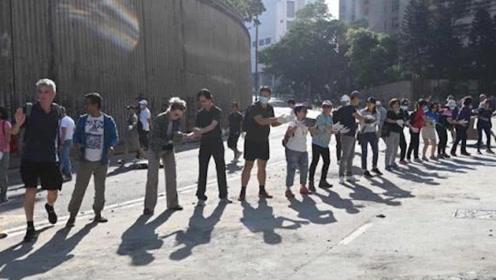"""不再惧怕,不再单打独斗!香港市民有了对付暴徒的新""""战略"""""""