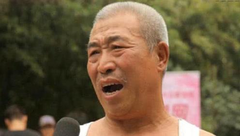 韩国大爷到中国旅游,买了10公斤泡菜5斤白酒,结账时愣住了!