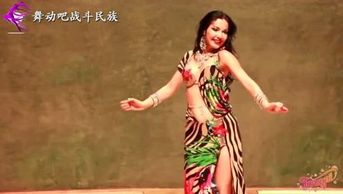 """乌克兰""""舞蹈女皇""""一出场,观众都情不自禁地打起了拍子"""
