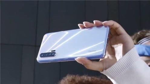 华为nova 6 5G手机曝光,正面打孔屏,背部纵列四摄