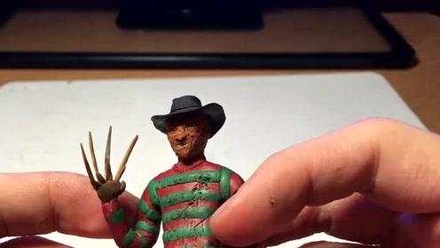 手办:用软泥捏造一个带帽刀疤男,手上还戴着尖爪!