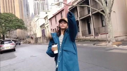 秋冬时尚潮流穿搭,时髦气质的保暖棉服外套,简单搭配却如此动人