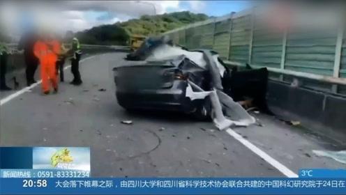 轿车一头撞上护栏,车顶被掀飞,司机轻伤脱困却从天而降身亡?
