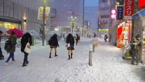 日本女孩为什么大冬天还穿短裙,难道不怕冷吗?原来是这个原因