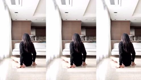 美女在家练习柔术,身形优美,犹若无骨