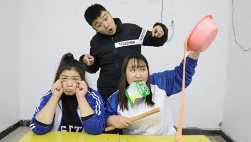 老师评选手工大王,却只给一种无硼砂素材,看学生如何做泥
