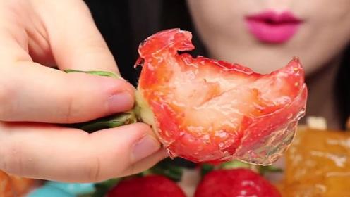 冰糖水果咬开听到冰裂声,晶莹剔透让人眼馋,会带来美食新体验吗?