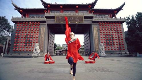 水袖飘逸真是太美了!中国民间踩水舞,古风韵味浓