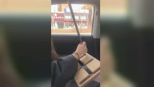 女司机挂档的操作,请问这段视频中有几处错误?