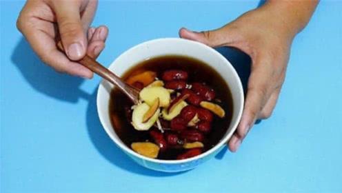 红枣加生姜一起泡水喝,原来这么厉害,解决很多家庭的烦恼