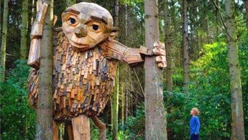 """艺术家用废弃树枝,打造巨大的""""魔兽"""",网友:这手艺绝了!"""