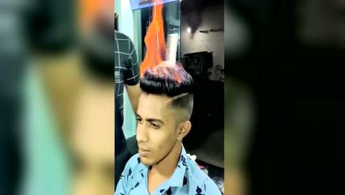 印度烫发,为什么火烧不到他的头发啊