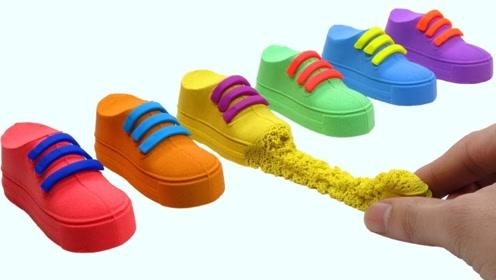 五彩斑斓的太空沙,做成漂亮的小鞋子,捏着扯坏的瞬间莫名过瘾!