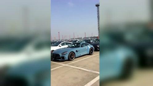 奔驰AMG GT到货,有钱的主可以来买了!
