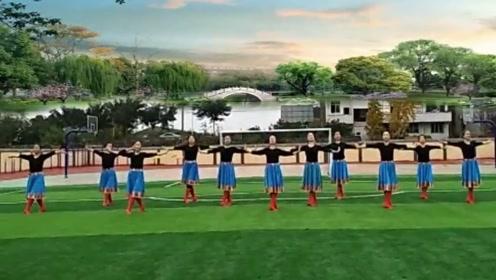 六哥广场舞《我是一条小河》优美大气的蒙古舞,跳起来真精神