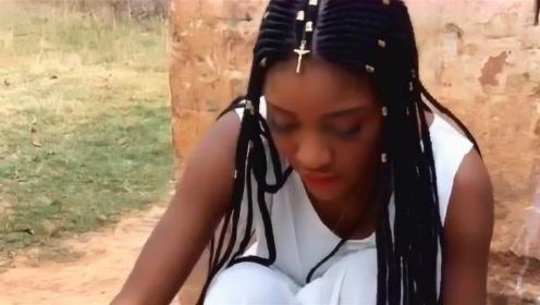 非洲第一美女在抬起头的那一刻,网友评论道:被惊艳到了!