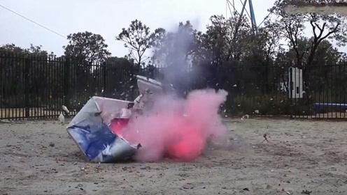 疯狂老外从45米高扔下铁球,砸在下方冰箱上,结果不忍直视!